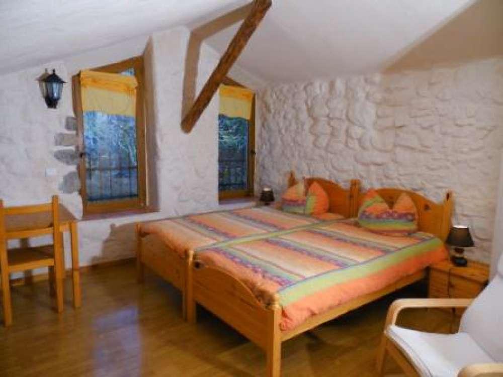 g stezimmer in la motte du caire objekt 4154 ab 280 euro. Black Bedroom Furniture Sets. Home Design Ideas
