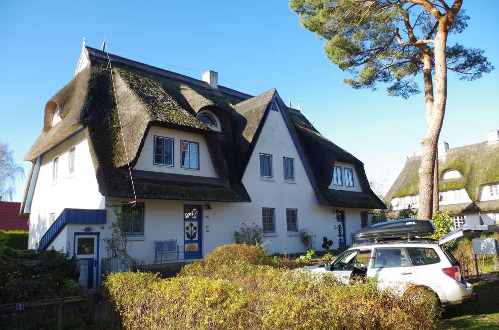 Ferienwohnung in zingst objekt 10996 ab 50 euro - Herbstdeko vor dem haus ...
