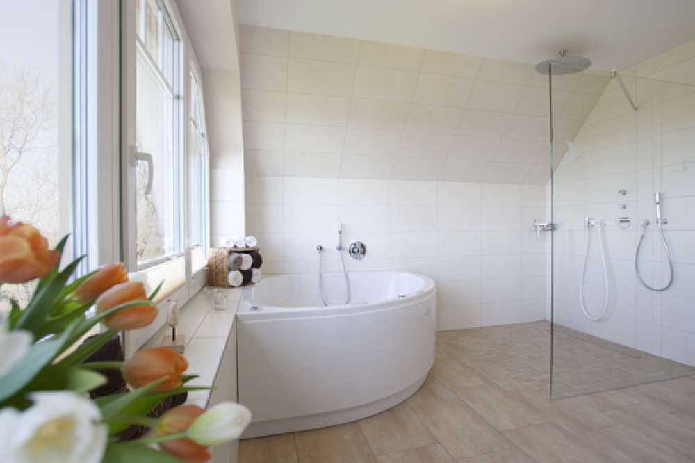 glanzend luxusbad whirlpool ferienhaus in dageb ll objekt 3060 ab 119 euro