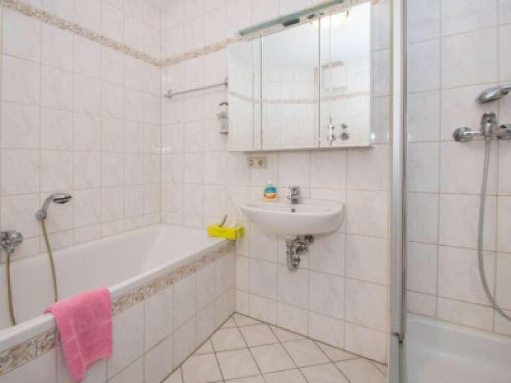 ferienwohnung in erfurt objekt 459 ab 110 euro. Black Bedroom Furniture Sets. Home Design Ideas