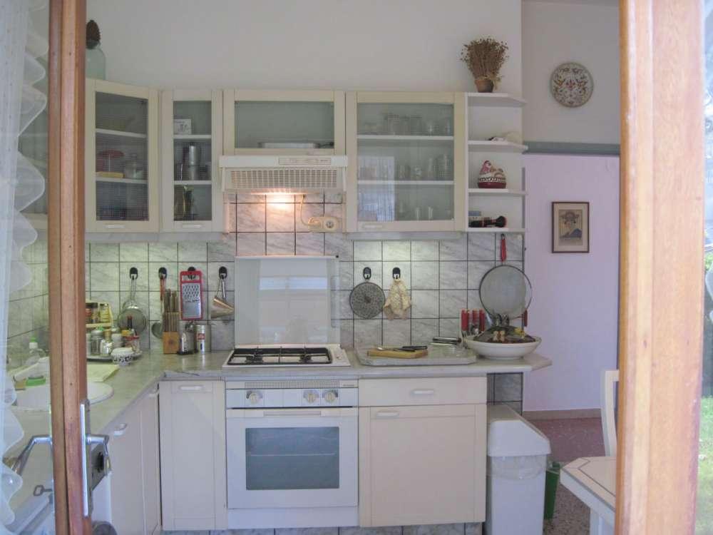 ferienhaus in forte dei marmi objekt 497 ab 600 euro. Black Bedroom Furniture Sets. Home Design Ideas