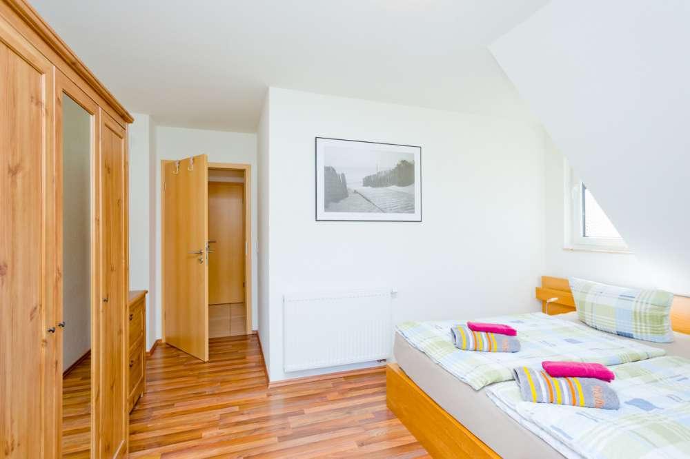 ferienwohnung in middelhagen objekt 5251 ab 60 euro. Black Bedroom Furniture Sets. Home Design Ideas