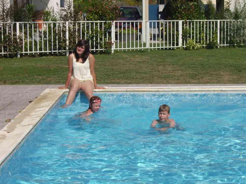 Swimming Pool Identification : Ferienwohnung in sanfins de ferreira objekt ab