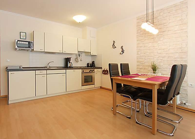 ferienwohnung in binz objekt 8427 ab 54 euro. Black Bedroom Furniture Sets. Home Design Ideas
