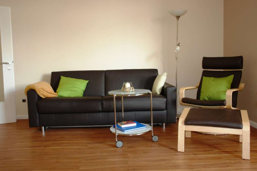 Ledercouch mit Relax-Sessel
