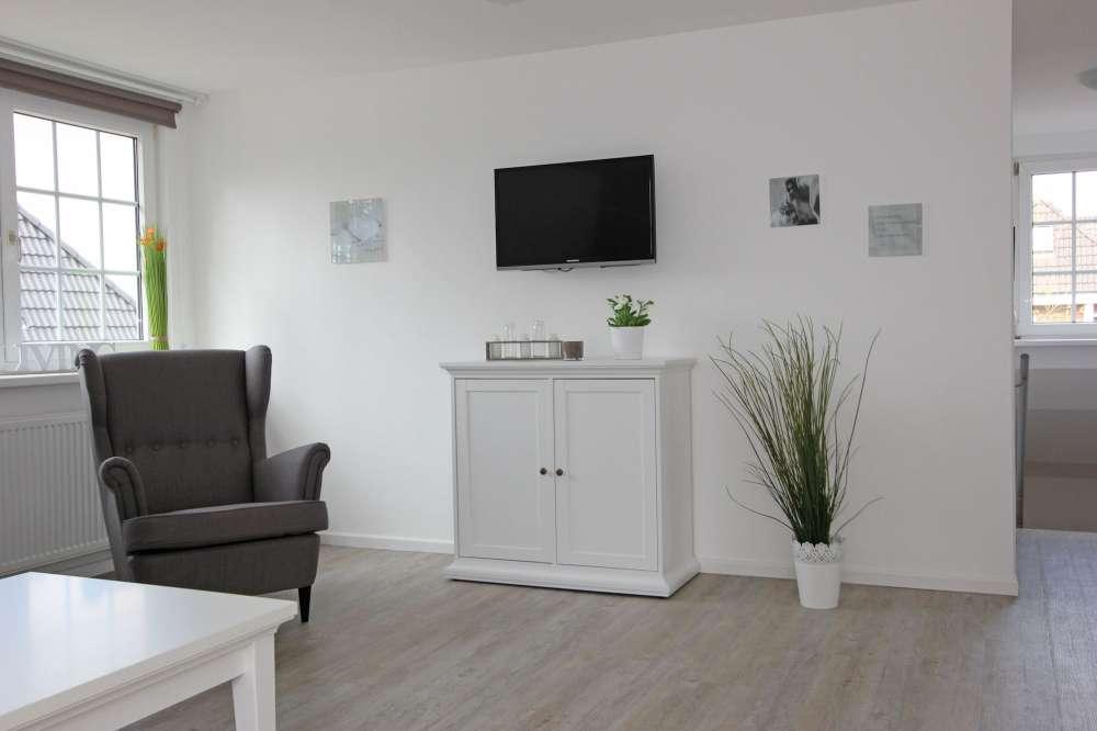 Ferienwohnung in wyk auf f hr objekt 12028 ab 80 euro for Wohnzimmer 80 qm
